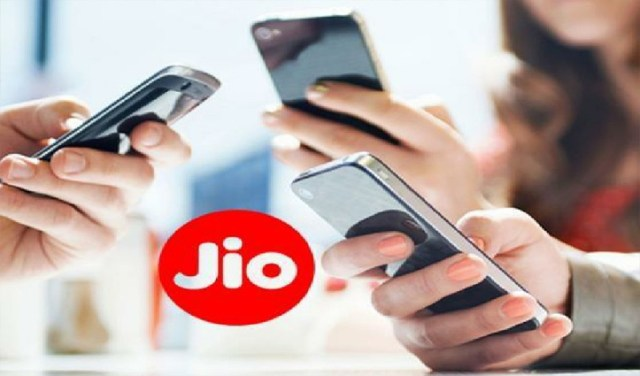 Prepaid users will get 2GB Jio Data Pack for free every day