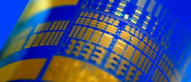 Curved photodetector array