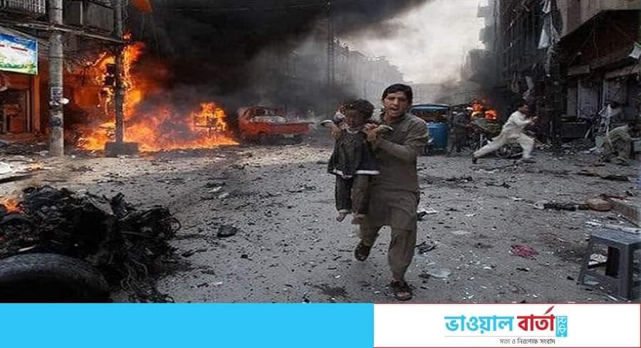 পাকিস্তানের মাদরাসায় শক্তিশালী বিস্ফোরণ, বহু হতাহতের শঙ্কা