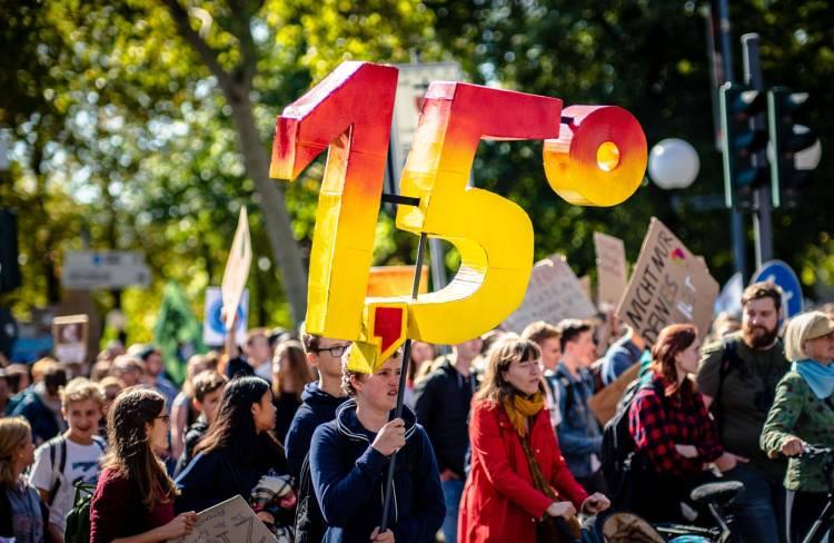 BHESCo Ten Point Plan UK Net Zero Carbon Emissions - Climate Crisis Protest