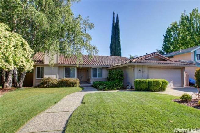 271 Rivertree Way, Sacramento, CA 95831