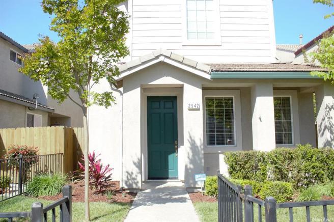 2942 Mojave Dr, West Sacramento, CA 95691