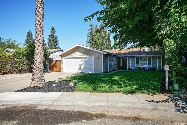 2613 Perch Ct, Sacramento, CA 95826