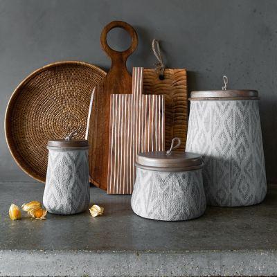 textured-wood-chopping-board-03-amara