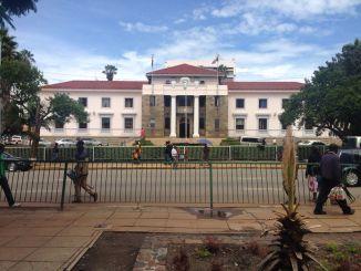 Zimbabwe Local Authorities Fail To Police CBDs