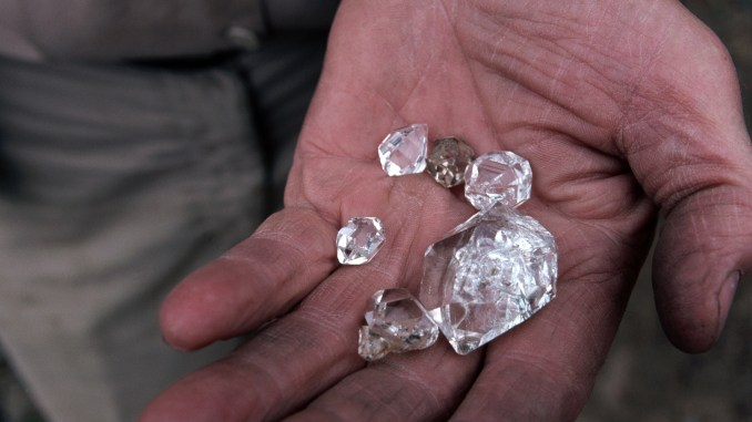 MMCZ Warns Against Diamond Scams In Zimbabwe