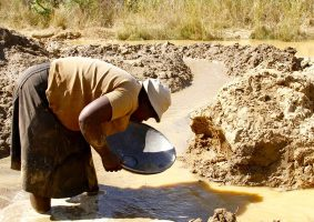 Decriminalise Small Scale Mining: Government Told