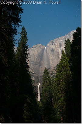 Yosemite_Falls_Night