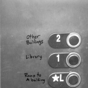 The BHS elevator has inadequate floor signage. | Photo: Alexandre Silberman/Register
