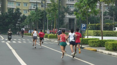 The leading pack.  They all seem to be flying!