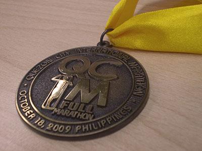 QCIM 2009 full marathon finisher's medal