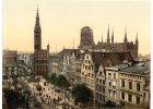 Na międzynarodowym forum skyskrapercity użytkownicy dzielą się spostrzeżeniami dotyczącymi architektury. Wśród zamieszczonych archiwalnych pocztówek znalazła się wyjątkowa kolekcja użytkownika Kampflamm, która przedstawia miasta niemieckie w końcu XIX w.<br /> Na zdjęciu - panorama Gdańska od strony Długiego Targu.