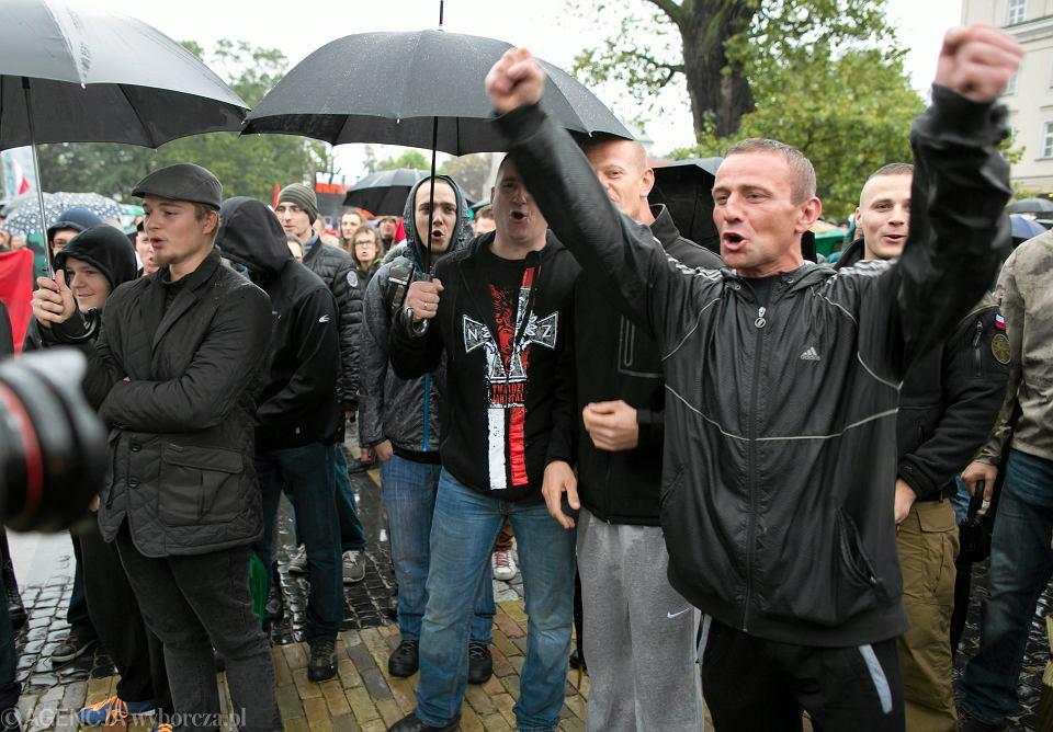 Pikieta prawicowców przeciwko uchodźcom. Pl. Litewski w Lublinie