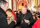 Polscy biskupi na pasterce. Było o miłości, ale nie zabrakło też ideologii gender i celebrytów, którzy nie śpiewają kolęd