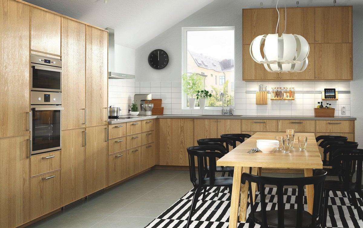 Trend drewno w aranacji kuchni