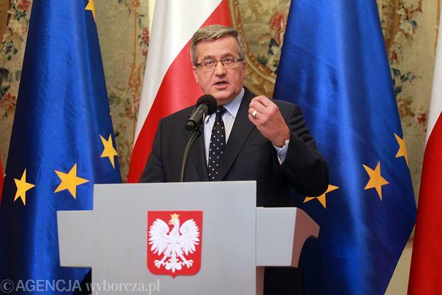 Prezydent Bronisław Komorowski podczas konferencji dot. wyników I tury wyborów samorządowych