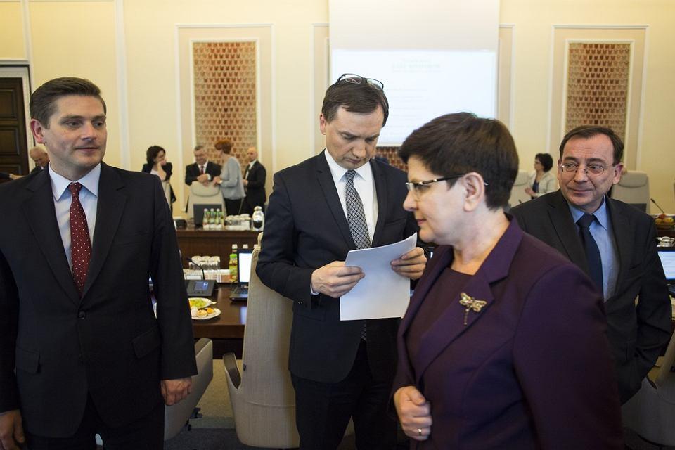 Rząd przyjął dziś dwa projekty ustaw, które - jeśli przyjmie je Sejm - zrewolucjonizują pracę komorników.