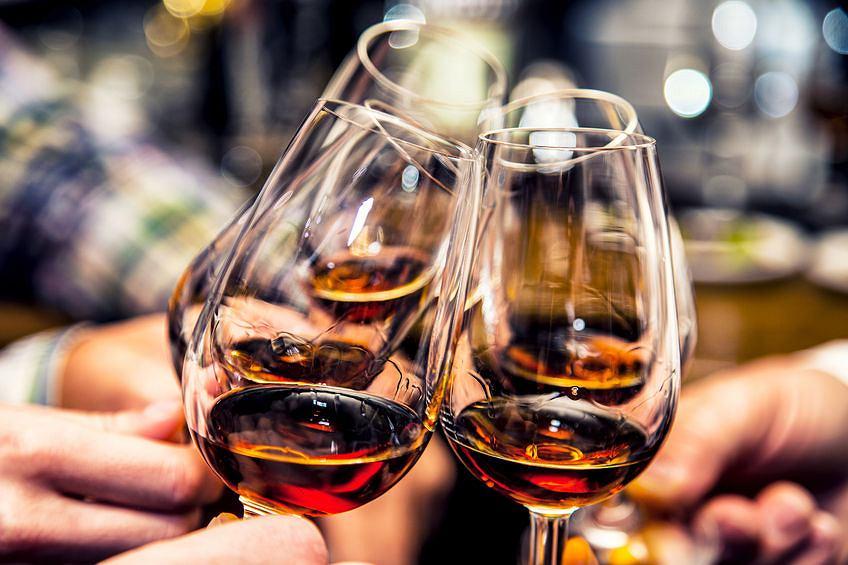 Czy umiarkowane spożywanie alkoholu ma pozytywny wpływ na nasz organizm?