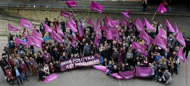 Członkowie partii Razem, którzy skrzyknęli się w Warszawie