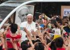 """Papież Franciszek nie jest tak liberalny, jak ci się wydaje. """"Gdyby ktoś obraził moją matkę..."""""""