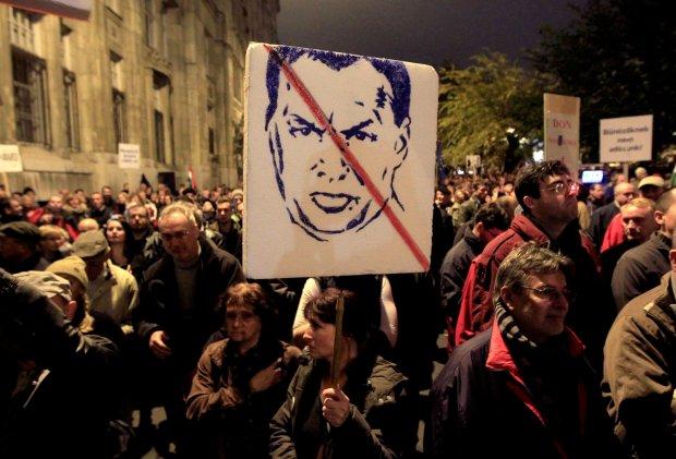 Budapeszt. Demonstracja przeciwko korupcji na Węgrzech
