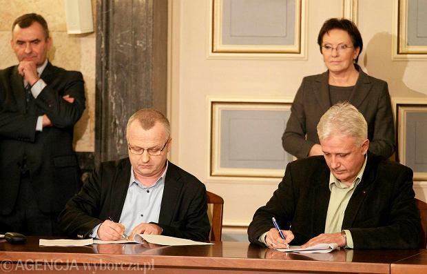 W sobotę w Katowicach rząd i związkowcy podpisali porozumienie w sprawie ratowania górnictwa