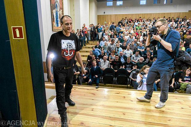 Paweł Kukiz zgarnął w grupie młodych 41 proc. głosów - dwa razy więcej niż Andrzej Duda i trzy razy więcej niż prezydent Bronisław Komorowski. Na zdjęciu: Kukiz na spotkaniu przedwyborczym na uniwersytecie w Rzeszowie