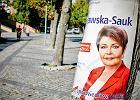 Kościół w Łodzi obwieszony plakatami PiS. Ksiądz: To dobra partia