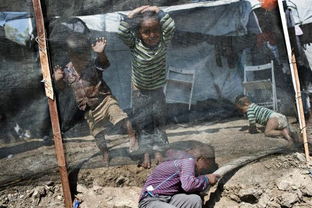 Znalezione obrazy dla zapytania obozy uchodzcow w europie zdjecia