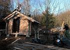 """""""Pomóż i korzystaj"""". Budują sobie saunę pod Kielcami. Społeczną... [ZDJĘCIA]"""