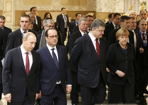 Przywódcy Ukrainy, Rosji, Niemiec i Francji usiłowali wczoraj w stolicy Białorusi porozumieć się co do rozejmu w Donbasie