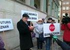 Zadłużeni we frankach pikietowali na Starym Rynku w Poznaniu