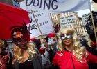 """W Amsterdamie prostytutki wyszły na ulicę. Burmistrzowi zarzucały: """"Kradniesz nam pracę!"""""""