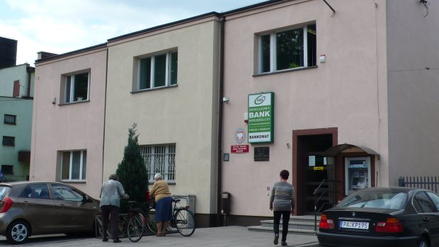 Bank w Będkowie: tu przyjechali policjanci...