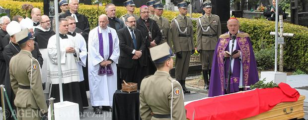 Pogrzeb Władysława Bartoszewskiego odbył się bardzo uroczyście. Przybyły setki ludzi