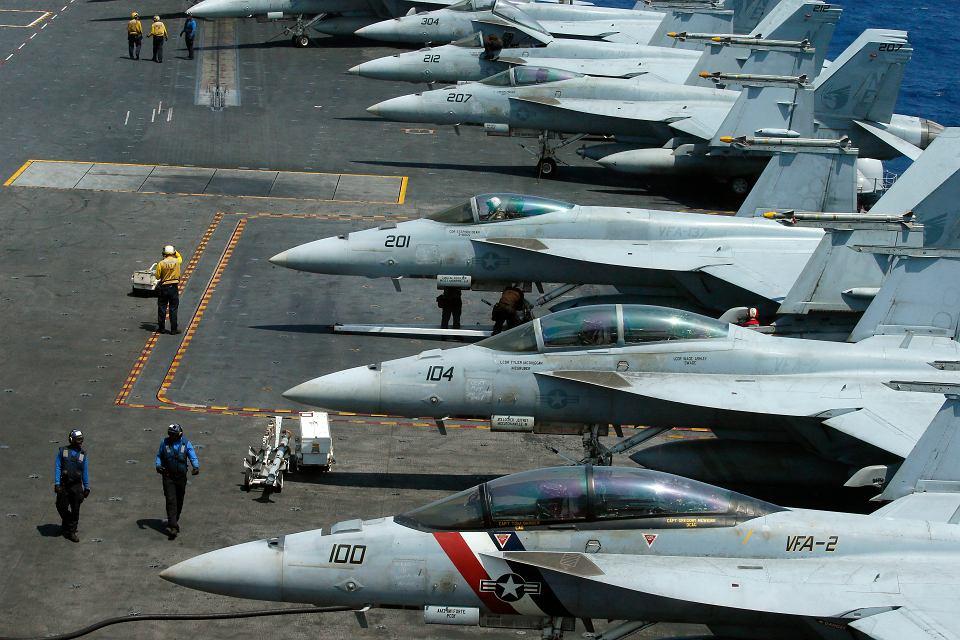 Pokład amerykańskiego lotniskowca USS Carl Vinson