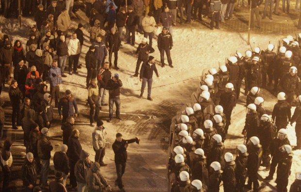 Protest górników pod siedzibą JSW