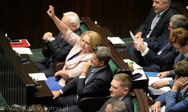 Posłowie lewicy podczas czwartkowego głosowania nad ustawą o finansowaniu leczenia niepłodności
