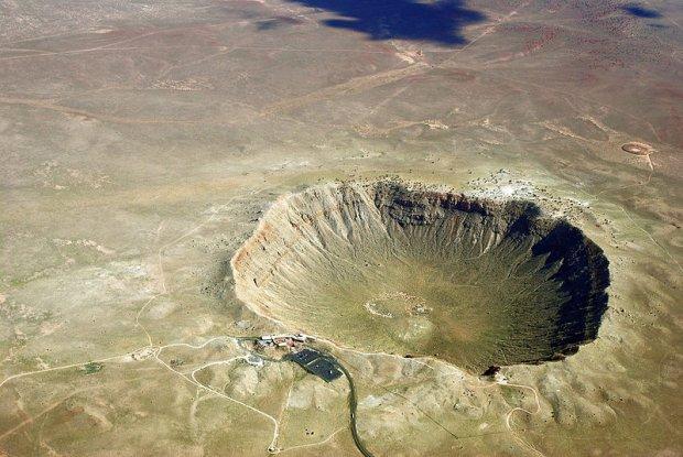 Krater w Arizonie powstały w wyniku uderzenia meteorytu
