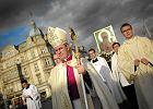 Biskup Wątroba o in vitro: Modlitwa, szczera modlitwa owocuje poczęciem dziecka