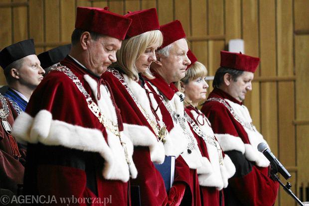 Prof. Ryszard Mojak - pierwszy z prawej. Inauguracja roku 2013/2014 na UMCS