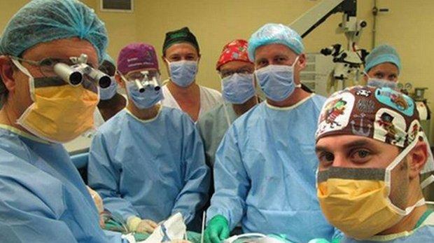 Zespół chirurgów z Kapsztadu, którzy dokonali przełomowego zabiegu
