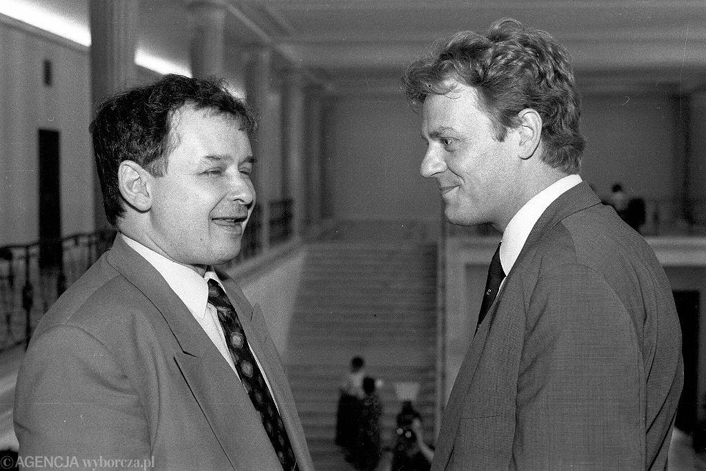 Rok 1992, Jarosław Kaczyński i Donald Tusk (fot. Tomasz Wierzejski/AG)