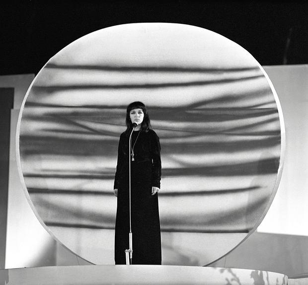 Ewa Demarczyk na Międzynarodowym Festiwalu Piosenki w Sopocie, 1967 r.