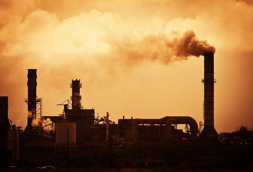 Emisja gazów cieplarnianych jest przyczyną globalnego ocieplenia.