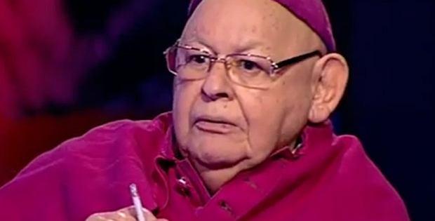 Przebrany za biskupa Jerzy Urban w programie