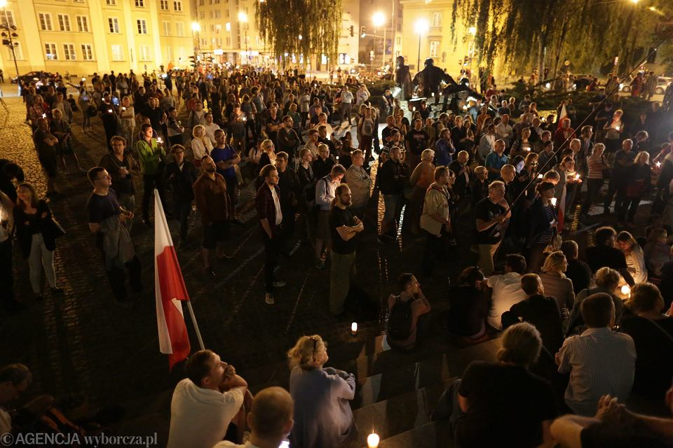 Protest w sprawie obrony sadow przed SN