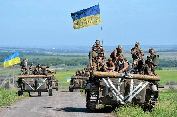 Ukraińskie patrole w pobliżu Artiomowska kontrolują okolice  między Ukrainą a terenami rebelii w Donbasie. 9 czerwca 2015