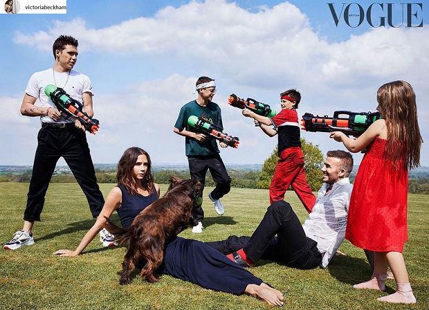 Zdjęcie numer 3 w galerii - Victoria Beckham z rodziną na okładce