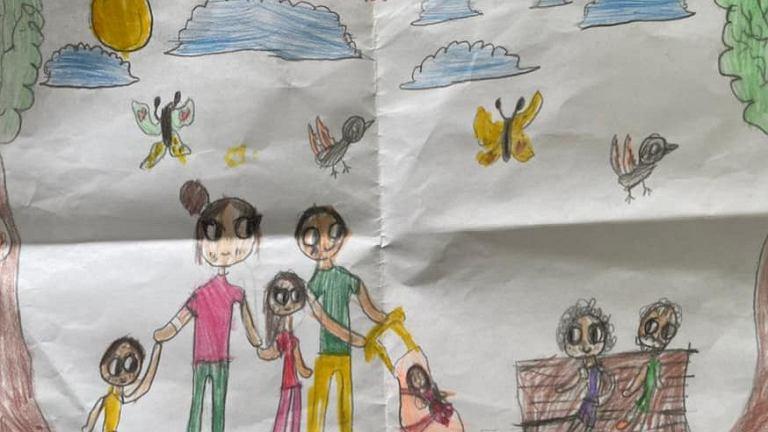 """Premier pochwalił się rysunkiem dziecka. Internet wrze: """"Prezydent ma długopis, premier kredki"""""""